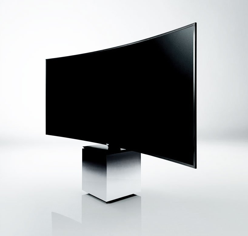 ces 2015 yves b har turns samsung 39 s s9w curved tv into a sculpture. Black Bedroom Furniture Sets. Home Design Ideas