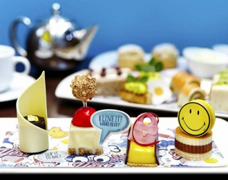anya-hindmarch-afternoon-tea-2