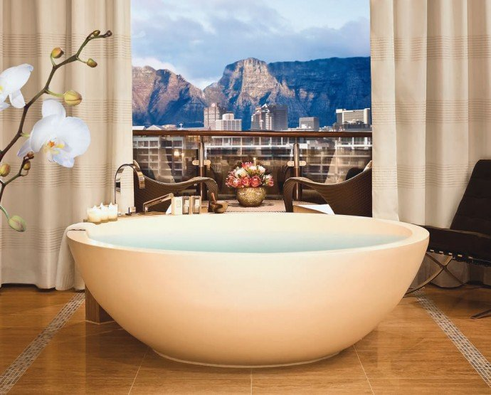 Table Mountain Suite Bathroom