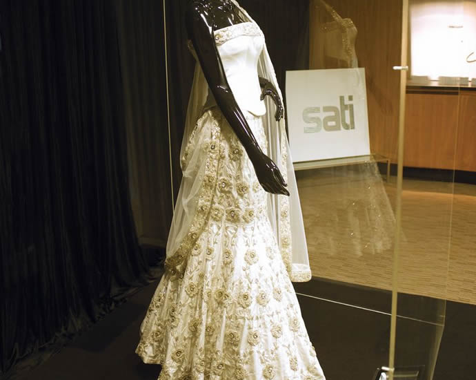 Studded With Diamonds The Most Expensive Asian Wedding Dress Costs A Cool 100 000 Luxurylaunches