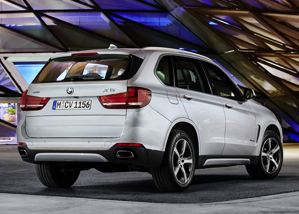bmw x5 xdrive40e plug in hybrid suv unveiled packs 313hp along with permanent four wheel drive. Black Bedroom Furniture Sets. Home Design Ideas