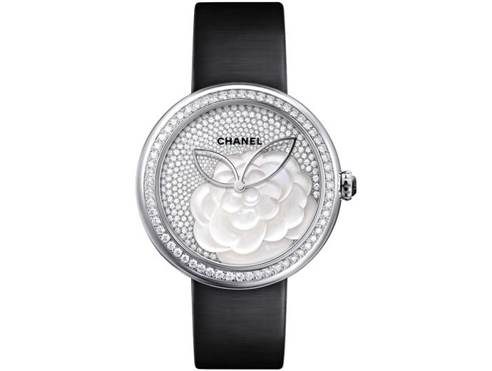 chanel-mademoiselle-prive-camelia-2