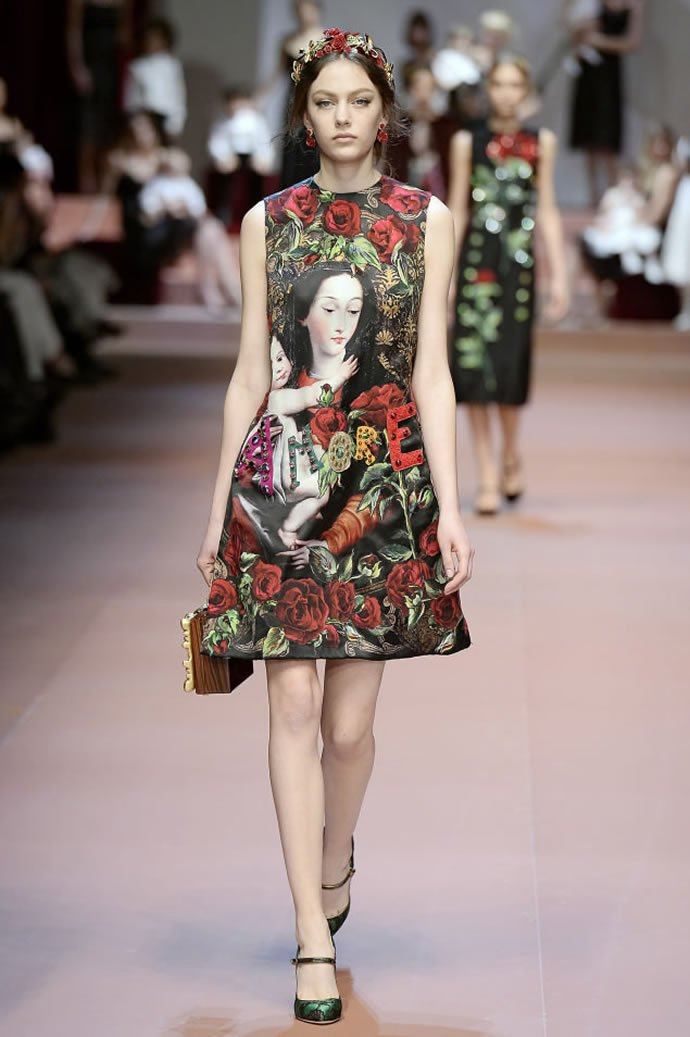 Dolce And Gabbana Celebrate Moms In Their Fall 2015