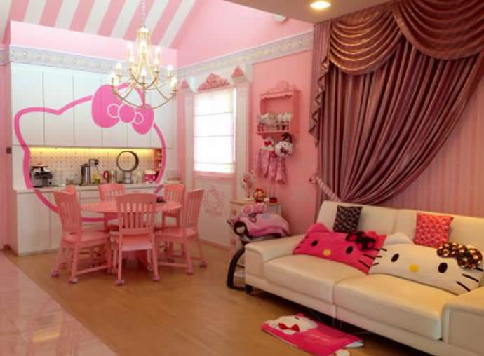 Hello kitty dream home 17 luxurylaunches for Cama kawaii