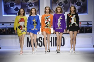 moschino-looney-tunes-fall-2015-1