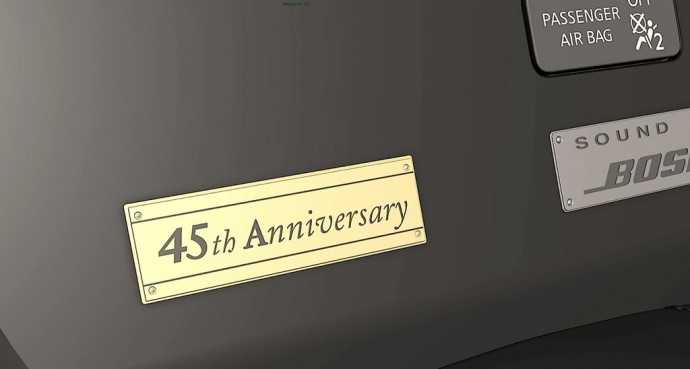 nissan-gtr-45th-anniversary-gold-edition-2