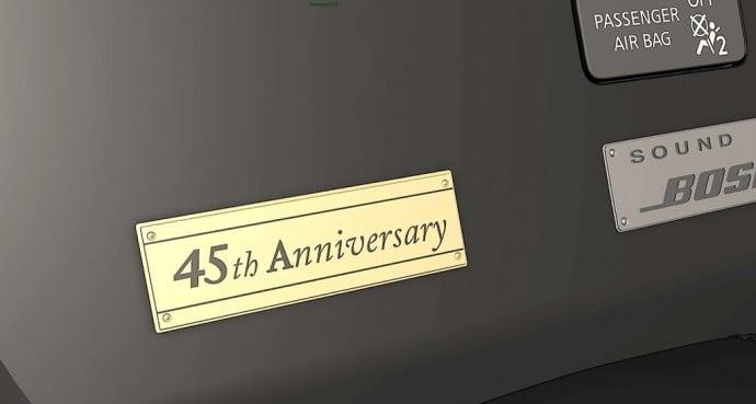 nissan-gtr-45th-anniversary-gold-edition-2