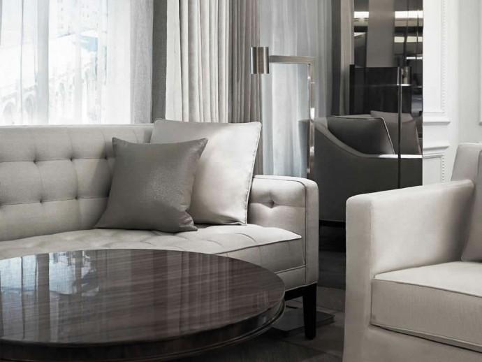 seating-in-guestroom