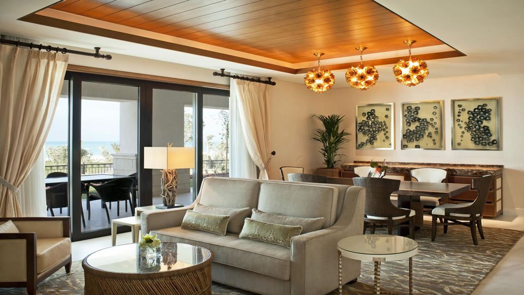 The 5 best luxury hotels in abu dhabi luxurylaunches for Sitting room suites