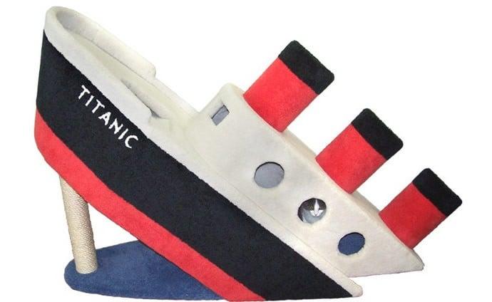 titanic-cat-condo-1