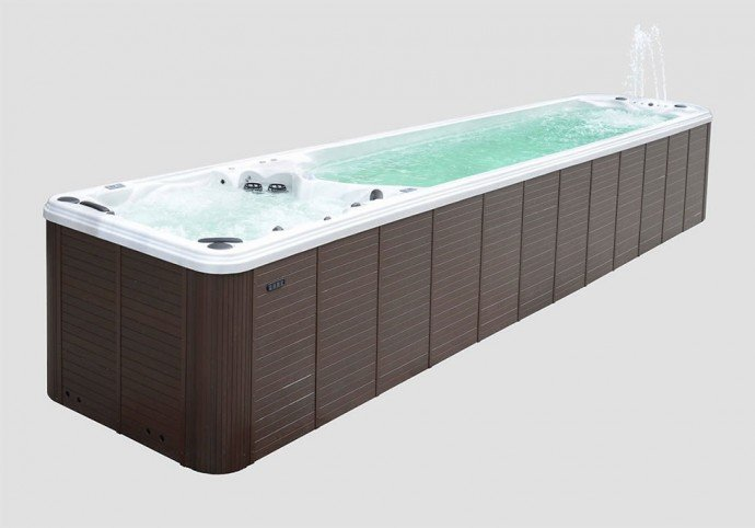 worlds-longest-hot-tub-3