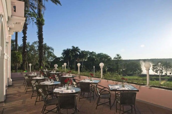 Itaipu veranda Restaurant