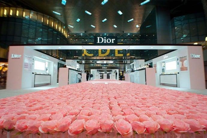diors-garden-6000-roses-doha-airport-1