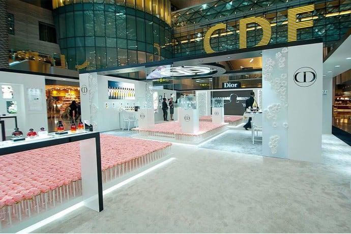 diors-garden-6000-roses-doha-airport-3