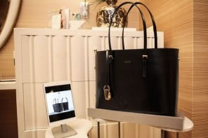 leoht-wearable-tech-handbags-1