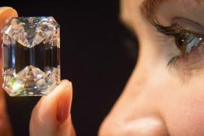 sotheby-perfect-100-carat-diamond-01