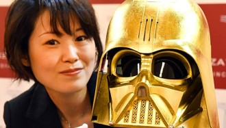 star-wars-villain-darth-vader-golden-makeover-in-japan