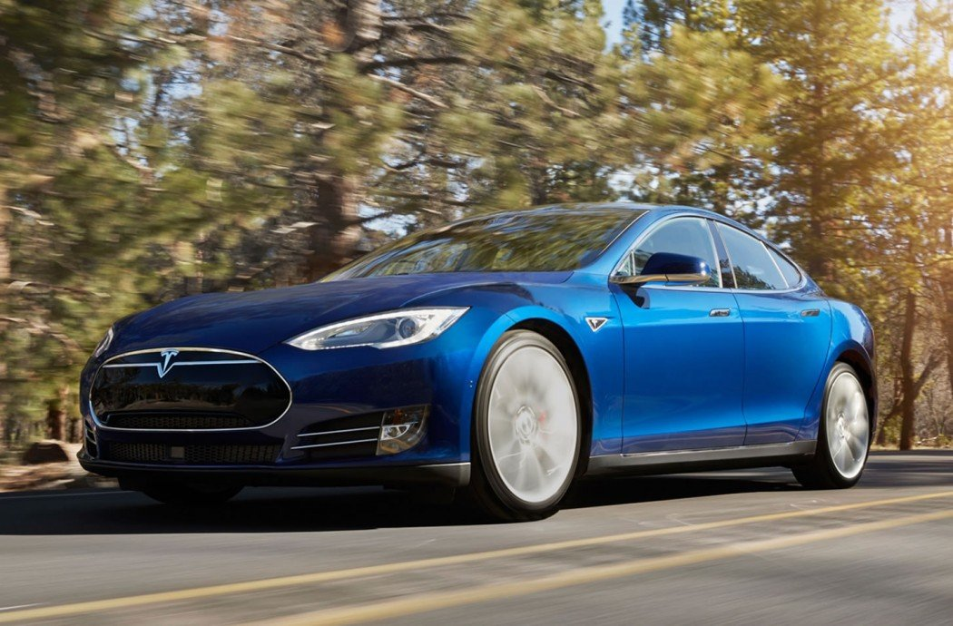Tesla Introduces New Entry Level Model S 70d With All Wheel