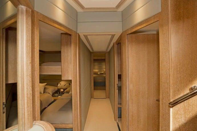 Azimut-uxury-yacht-3