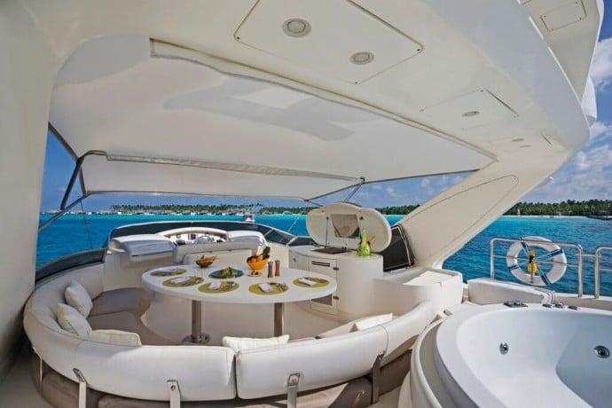 Azimut-uxury-yacht-4
