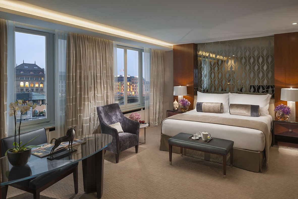 Indulge In A Happy Suite Diamond Experience With