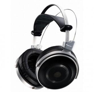 Pioneers-SE-Master1-premium-headphones-1