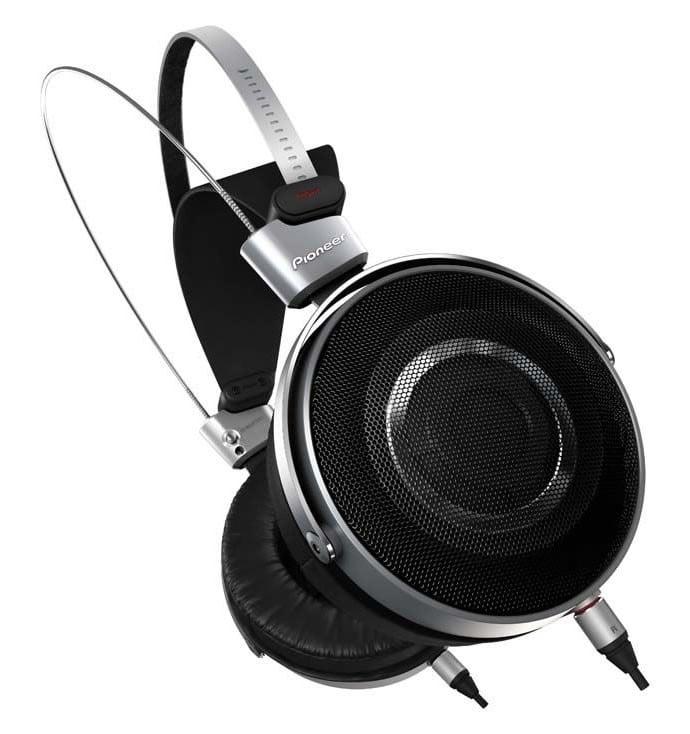 Pioneers-SE-Master1-premium-headphones-2