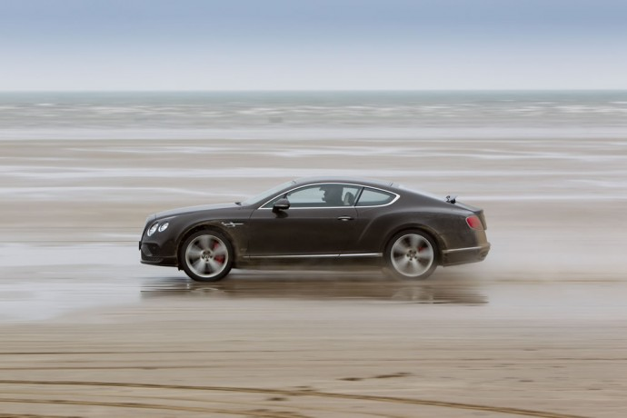 actor-idris-elba-breaks-land-speed-record-in-a-bentley-continental-gt- speed-at-180-mph-1