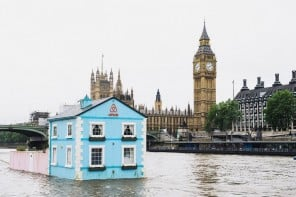 airbnb-floating-house-river-thames-london