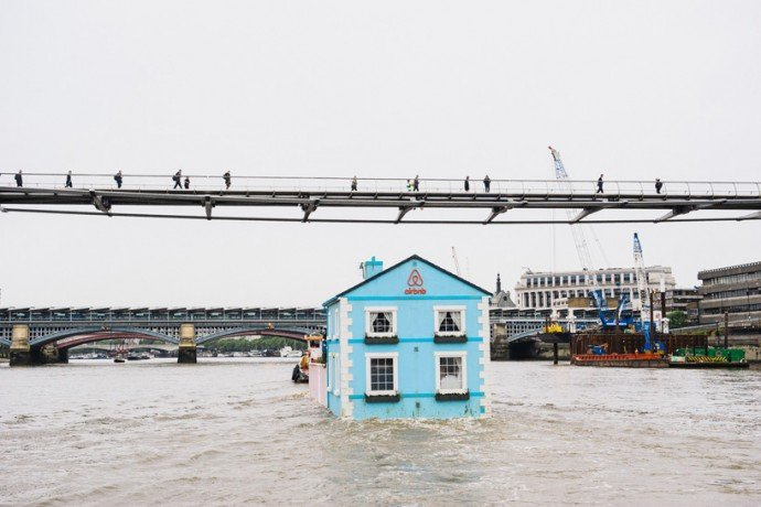 airbnb-floating-house-river-thames-london-3