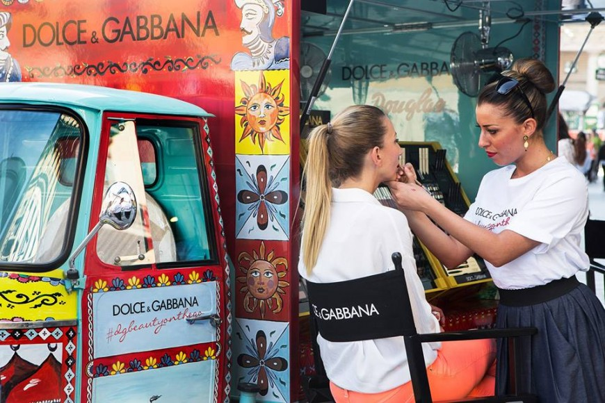 dolce-and-gabanna-rickshaw-2