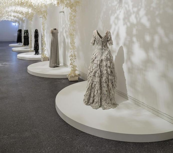 karl-largerfeld's-designs-showcased-paper-wonderland-3
