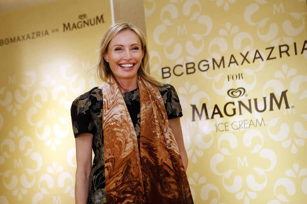 Attention Chocoholics: BCBG Max Azria and Magnum Ice cream have created a limited edition chocolate scented scarf : Luxurylaunches