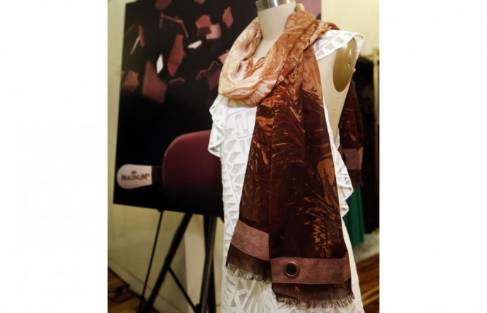 limited-edition-chocolate-scented-scarf-2