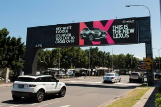 the-lexus-billboard-that-reads-your-mind-1