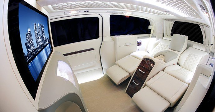 7_best_luxury_lounge-Carisma-V-Class-beats-the-competition