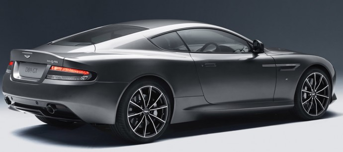 Aston-Martin-DB9-2