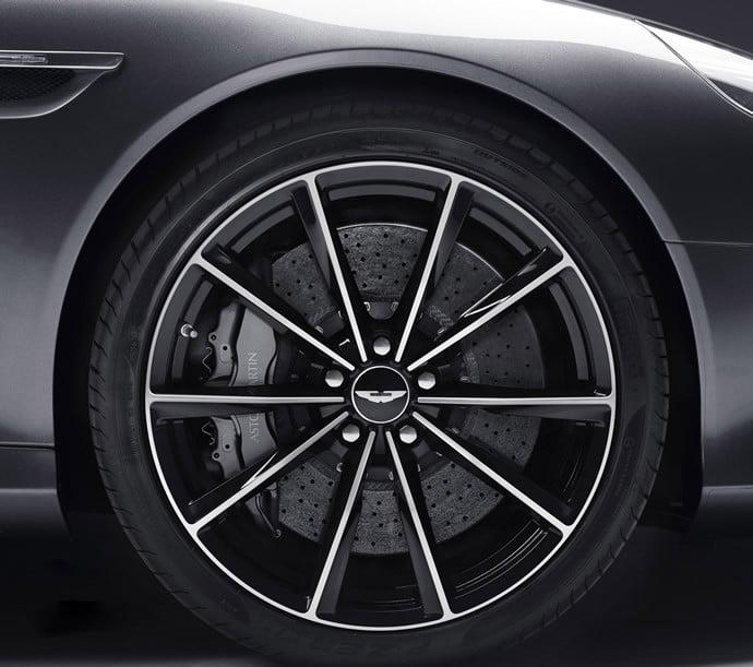 Aston-Martin-DB9-3