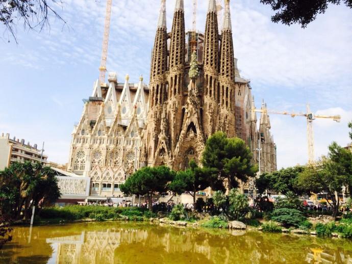 Basilica-of-the-Sagrada-Familia_Barcelona_Spain