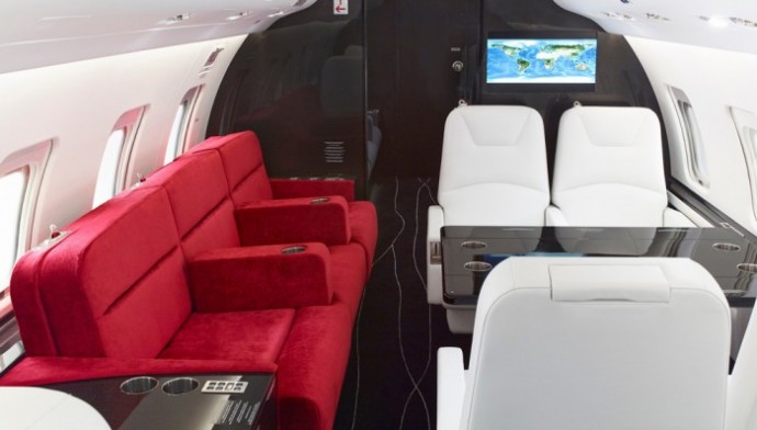 Customized-Bombardier-Challenger-850-private-jet-with-carbon-fiber-2