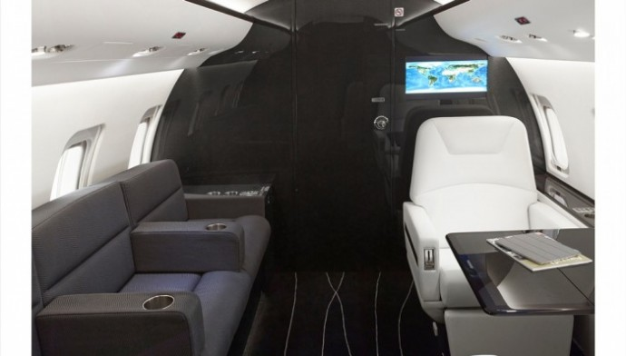 Customized-Bombardier-Challenger-850-private-jet-with-carbon-fiber-4