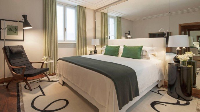 Fashion-Suite-at-Four-Seasons-Milano-Hotel-0