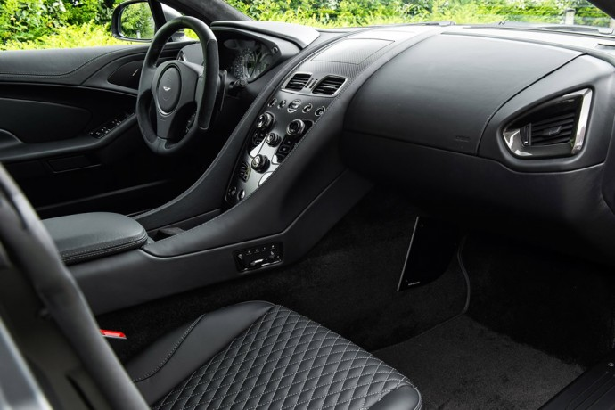 German-businessman-gets-7-bespoke-Aston-Martin-Vanquish-Coupes-2