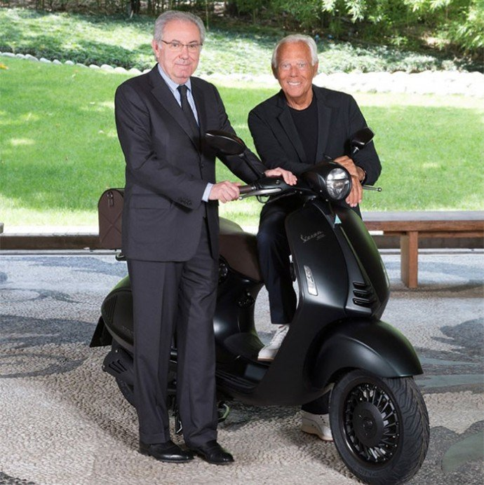 Giorgio-Armani-creates-a-custom-Vespa-3
