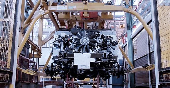 Land-Rover-creates-Defender-2