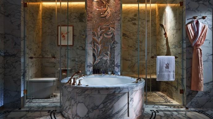 Marriott-International-opens-Ritz-Carlton-Macau-3