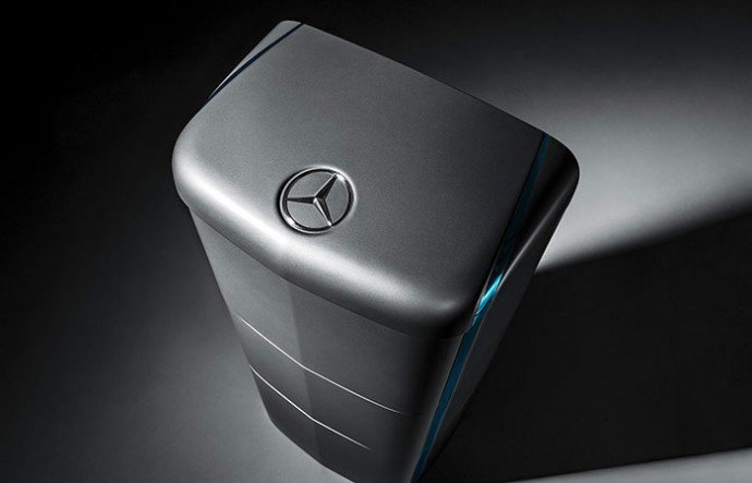 Mercedes-Benz-home-batteries-1
