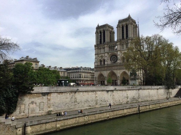 Notre-Dame-Cathedral_Paris_France