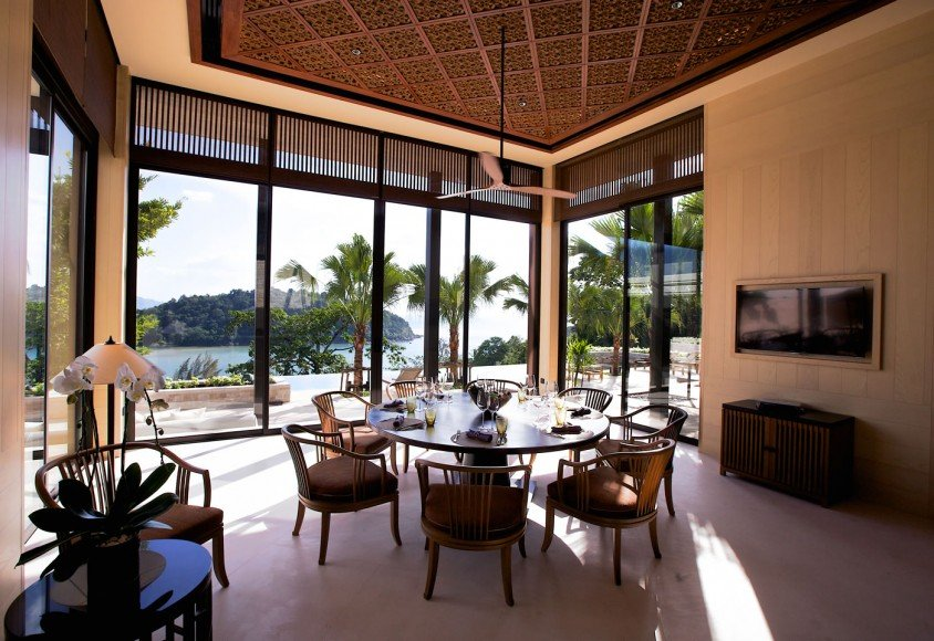 Residences_by_Anantara_-_Dining_room