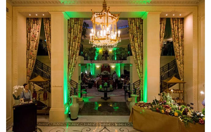 Shangri-La-Hotel-Paris-green-dinner-2